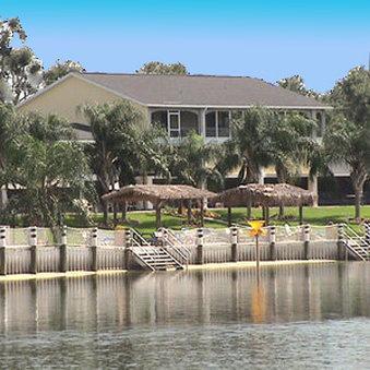 羅伊湖沙灘酒店