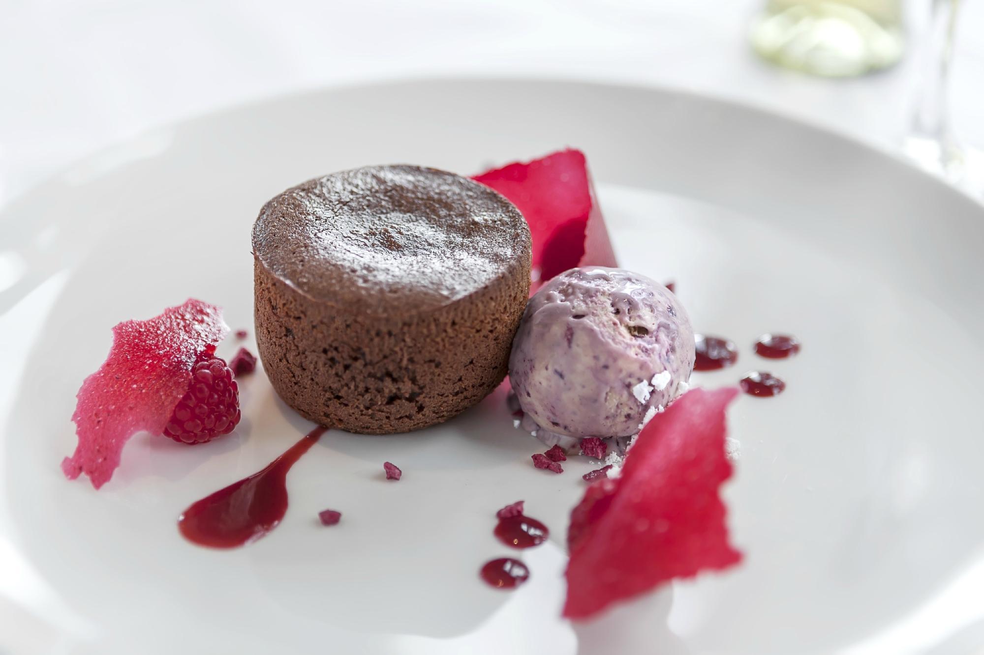 The Greenhouse Restaurant Within Castle Green Hotel   Castle Green Lane, Kendal LA9 6RG   +44 1539 797011