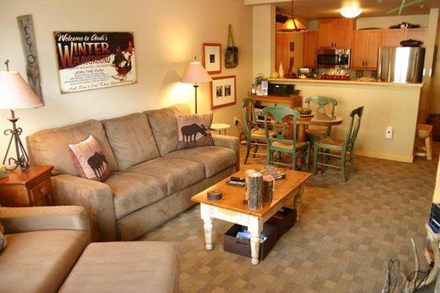 New village copper mountain apartment reviews price for Living room c o maidstone