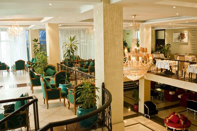 볼레 앰버서더 호텔
