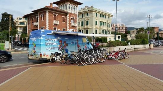 Noleggio Biciclette e Pattini Genova