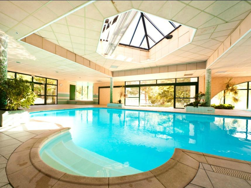 Chadenas le village vacances hotel embrun france voir for Piscine embrun