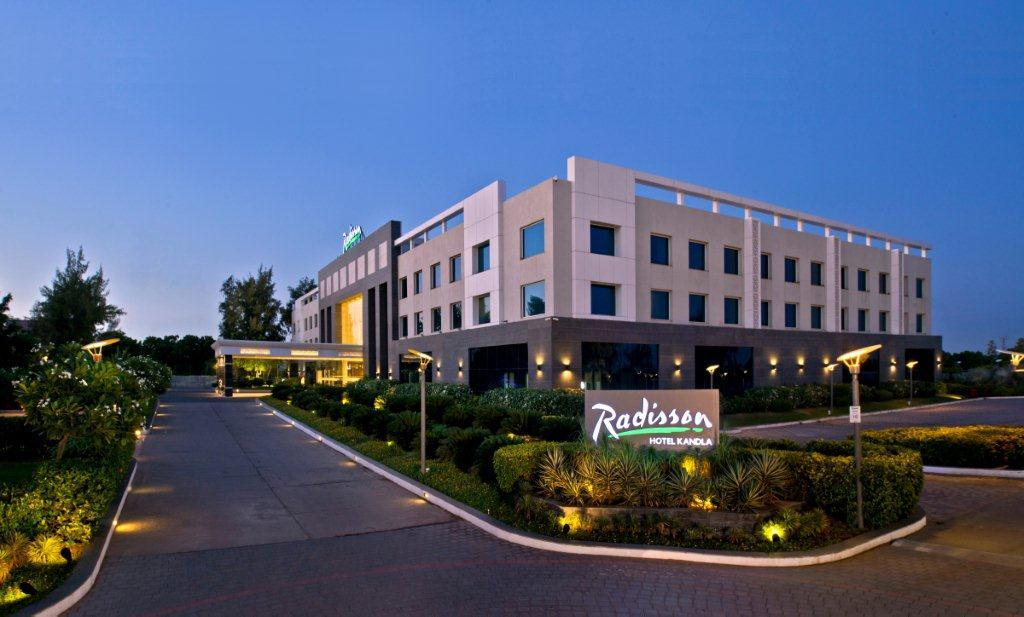 Gandhidham India  City new picture : Radisson Hotel Kandla Gandhidham, India Hotel Opiniones ...