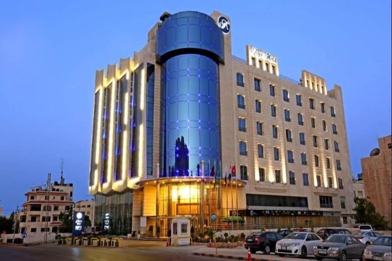 アヤス ホテル