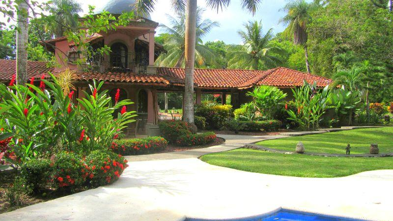 Forest Hills Suites