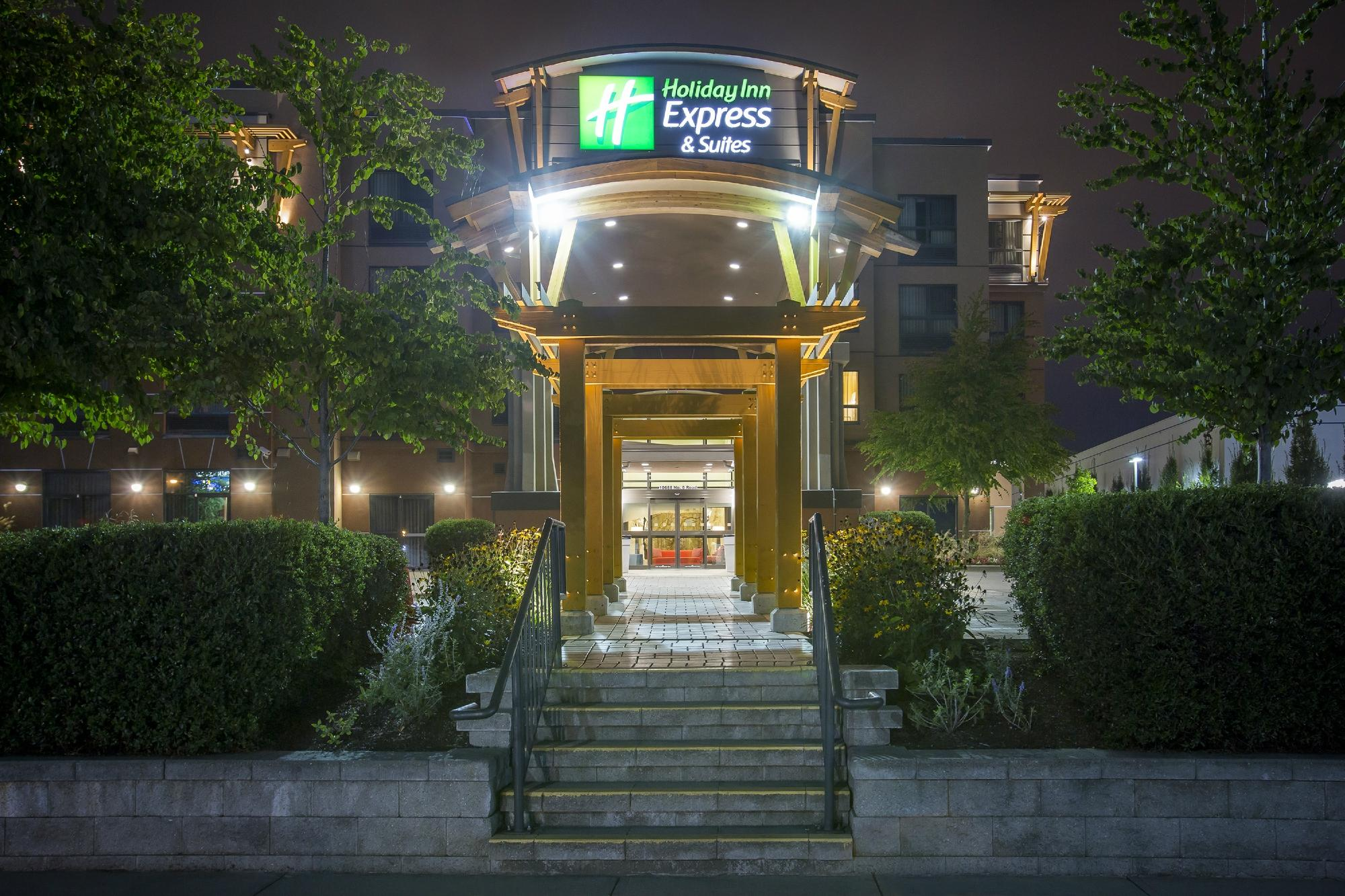 Holiday Inn Express Hotel & Sui