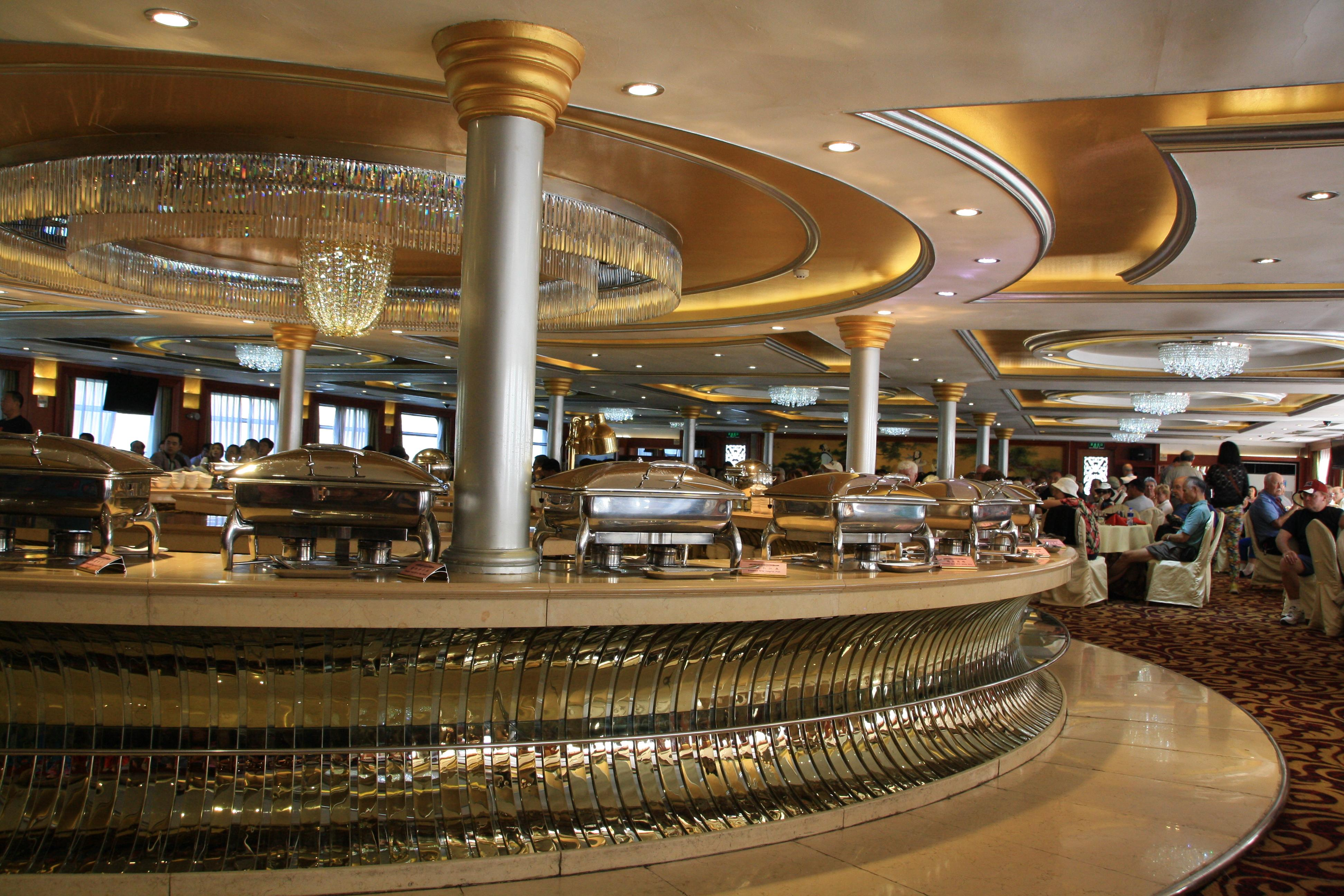 yangtze river cruise's dining