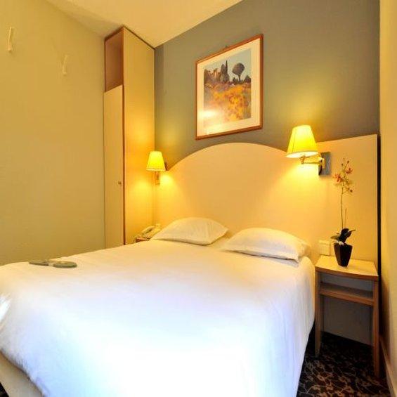 基里亞德安內西克朗傑維耶酒店