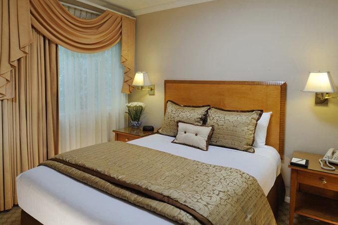 Beverly Hills Plaza Hotel