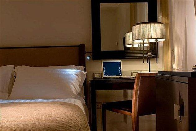 Cedran Hotel