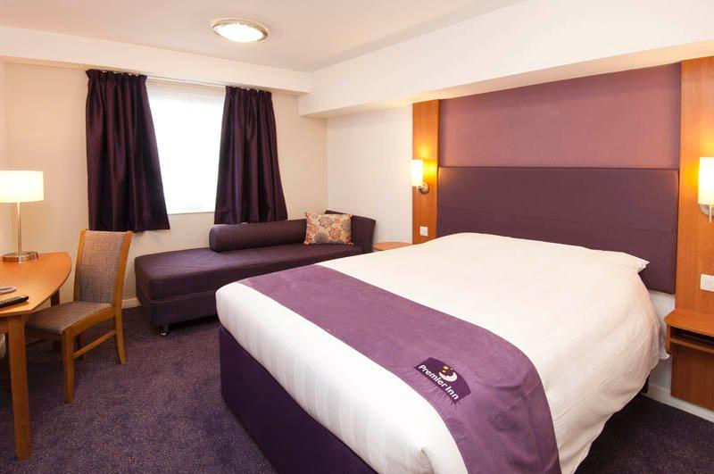 Premier inn london hammersmith hotel updated 2017 prices for 526 salon st paul