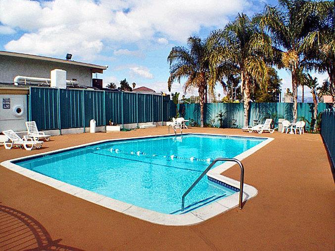 Motel 6 Canoga Park
