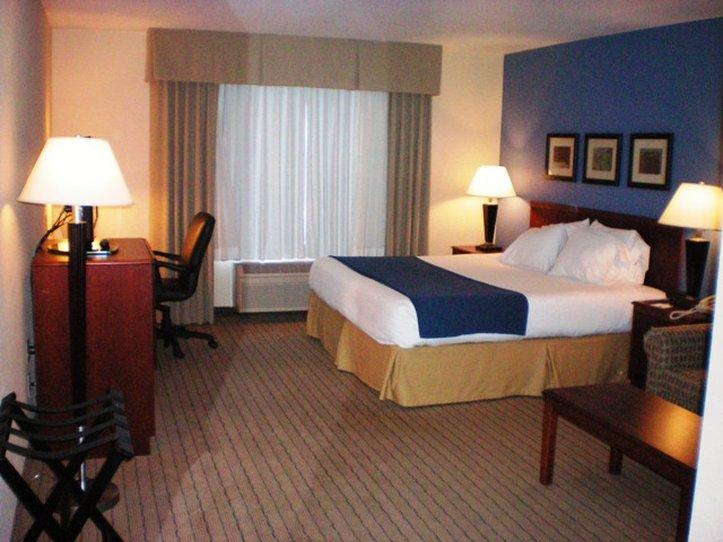 Holiday Inn Express Acme-Traverse City