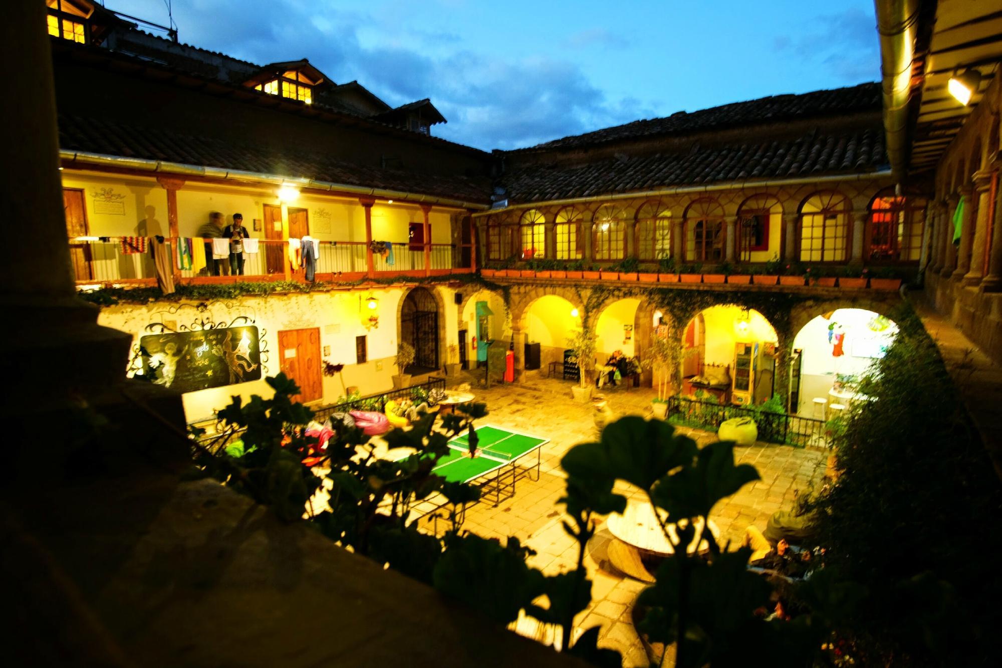 Pariwana Hostel