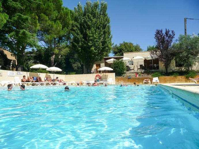 Camping fontisson chateauneuf de gadagne france voir for Chateauneuf de gadagne piscine