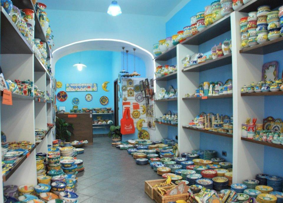 Piccoli negozi di ceramica recensioni su ceramiche di vietri