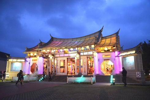 Hu Sheng Temple Glass Temple