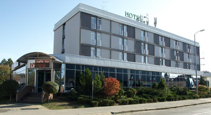 호텔 포드라비나