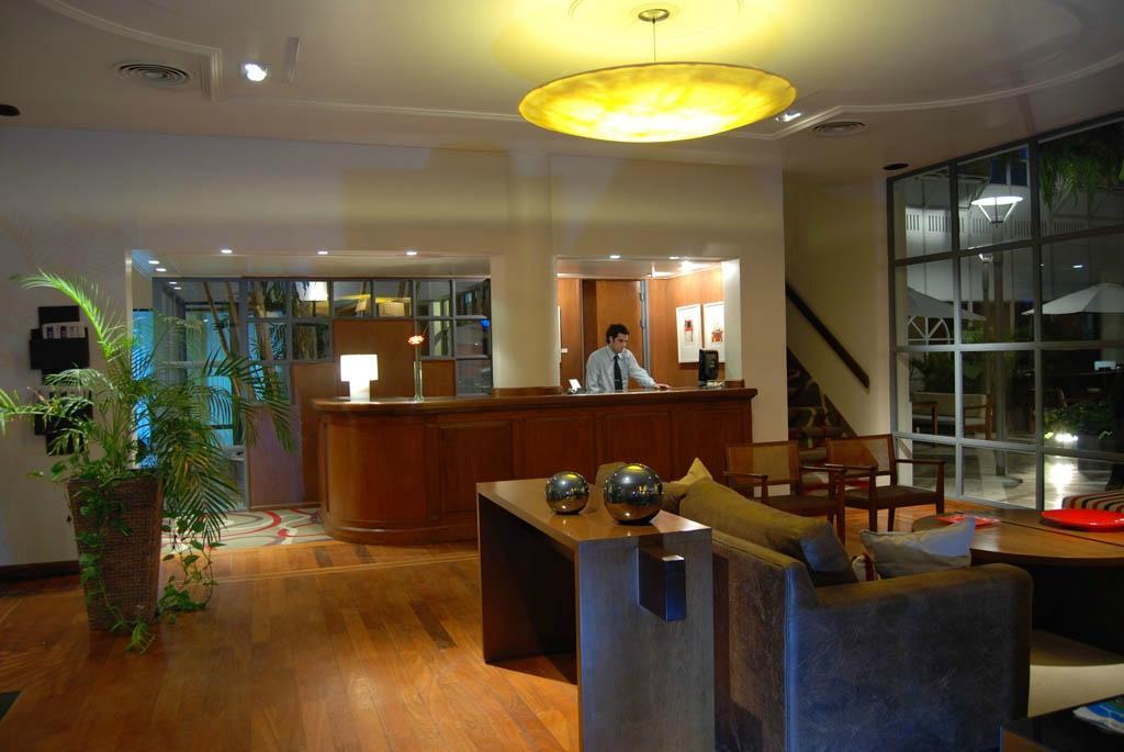 El Virrey Hotel