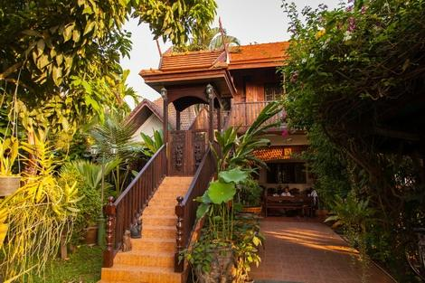 Golden Teak Home