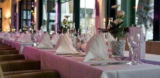 Platzhaus Restaurant-Eventhaus-Bistro-Cocktailbar-Terrasse