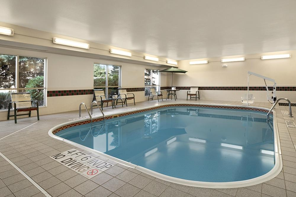 Country Inn Suites By Carlson Toledo Updated 2017 Prices Hotel Reviews Maumee Ohio