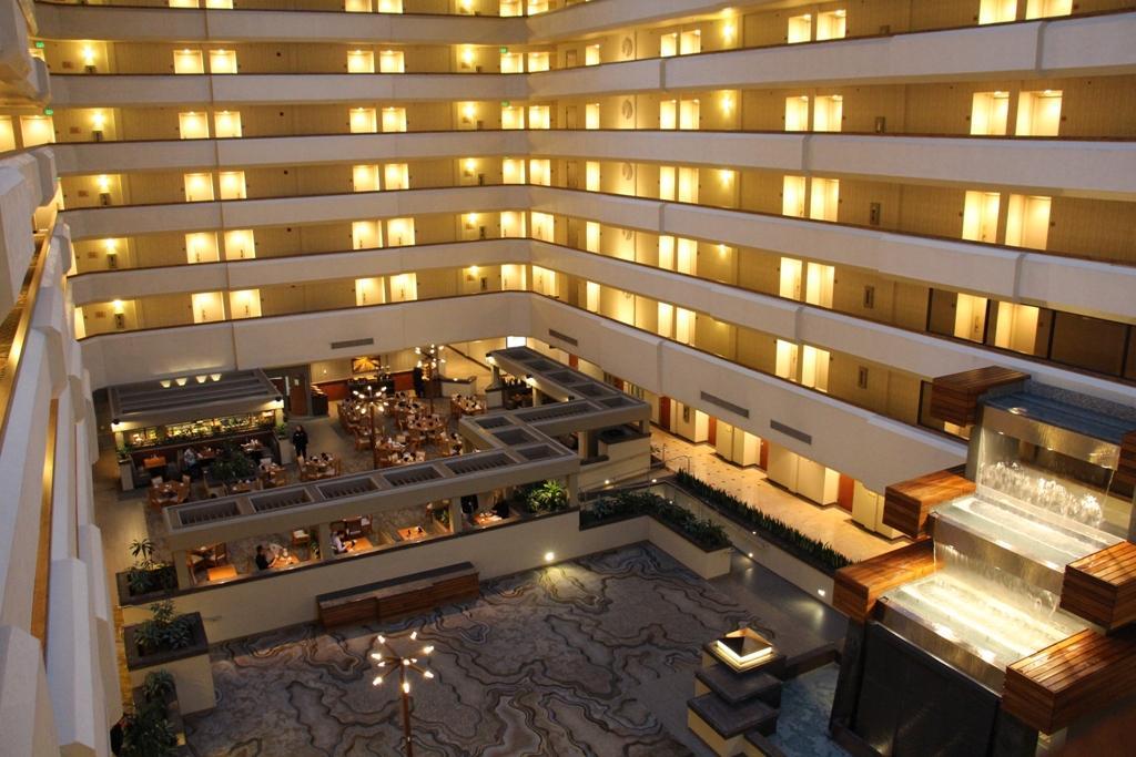 希尔顿逸林弗雷斯诺会议中心酒店