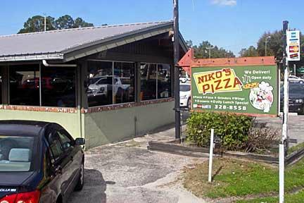 Niko's Pizza
