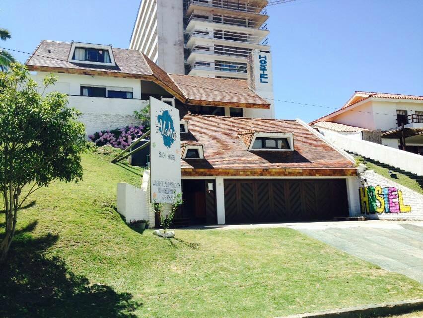Aloha Beach Hostel