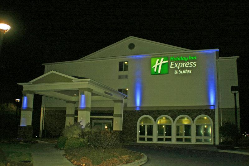 Holiday Inn Express & Suites - W Tilghman Street
