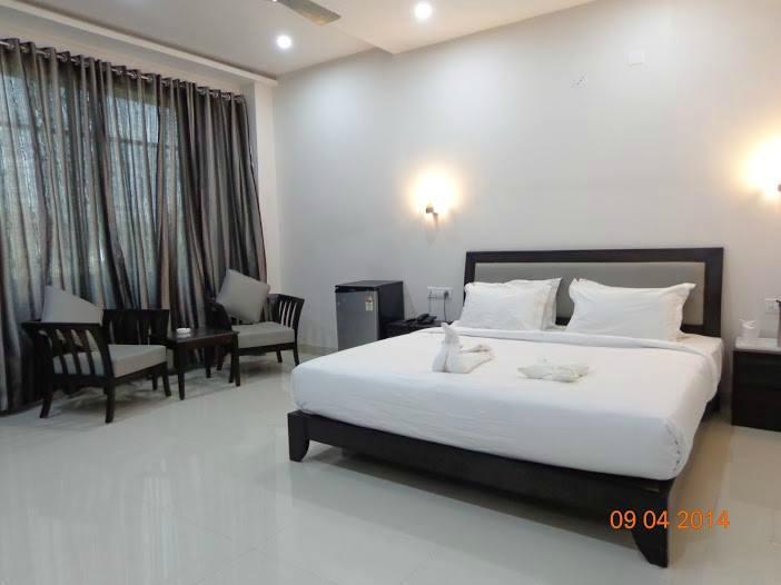 Chhindwara India  City new picture : Hotel Silver Shine Chhindwara, India 2016 Hotel Reviews ...