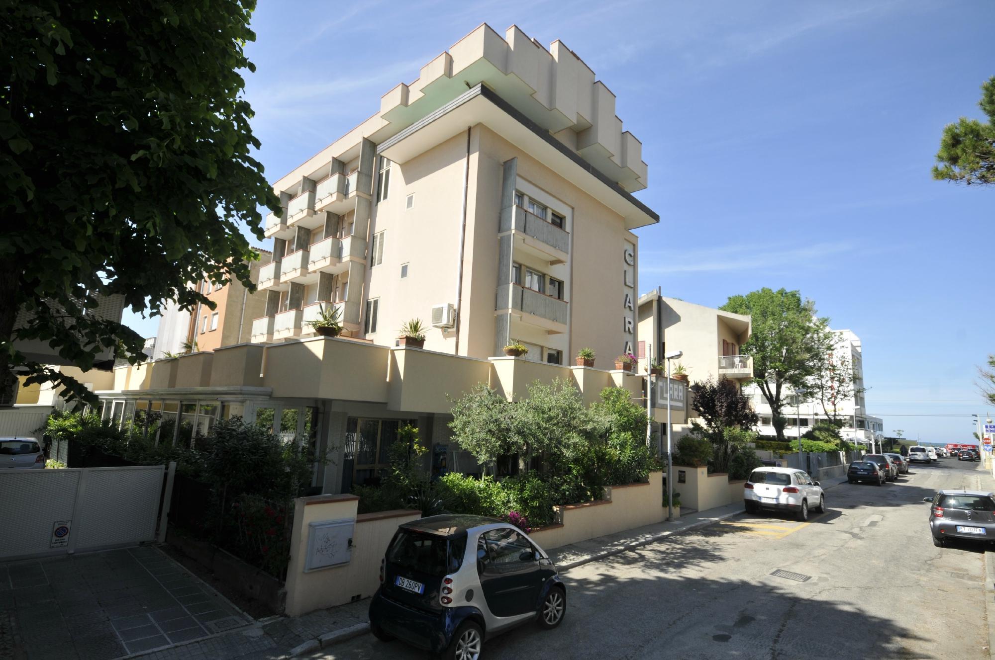 Hotel Clara