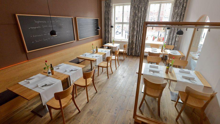 jad´s Potsdam Restaurant - Café - Hotel