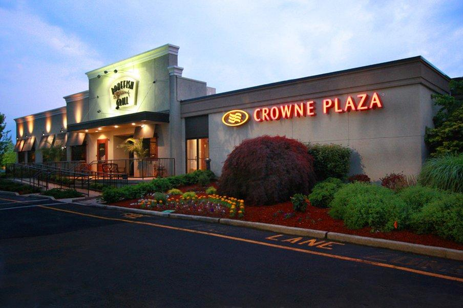 Crowne Plaza Hotel Paramus