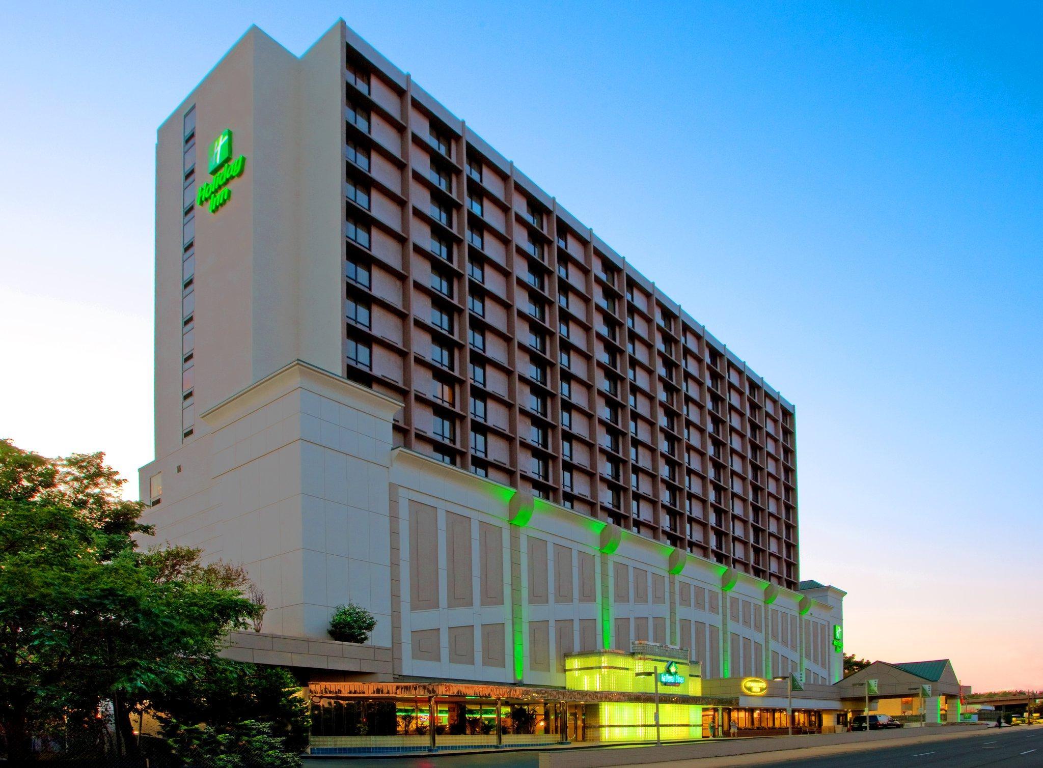 Holiday Inn National Airport / Crystal City