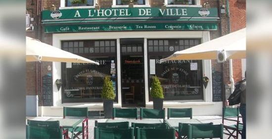 A l'Hotel de Ville