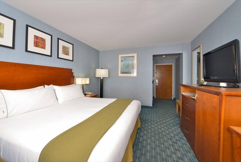 Holiday Inn Express LaGuardia Airport