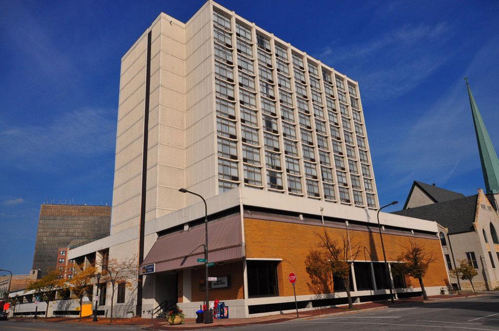 University Plaza Hotel