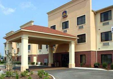 ‪BEST WESTERN PLUS Strawberry Inn & Suites‬