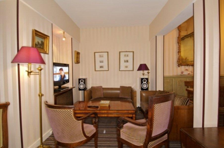 最佳西方巴黎喬治沙國防酒店