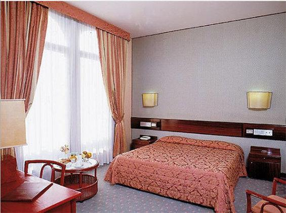 利布里巴酒店