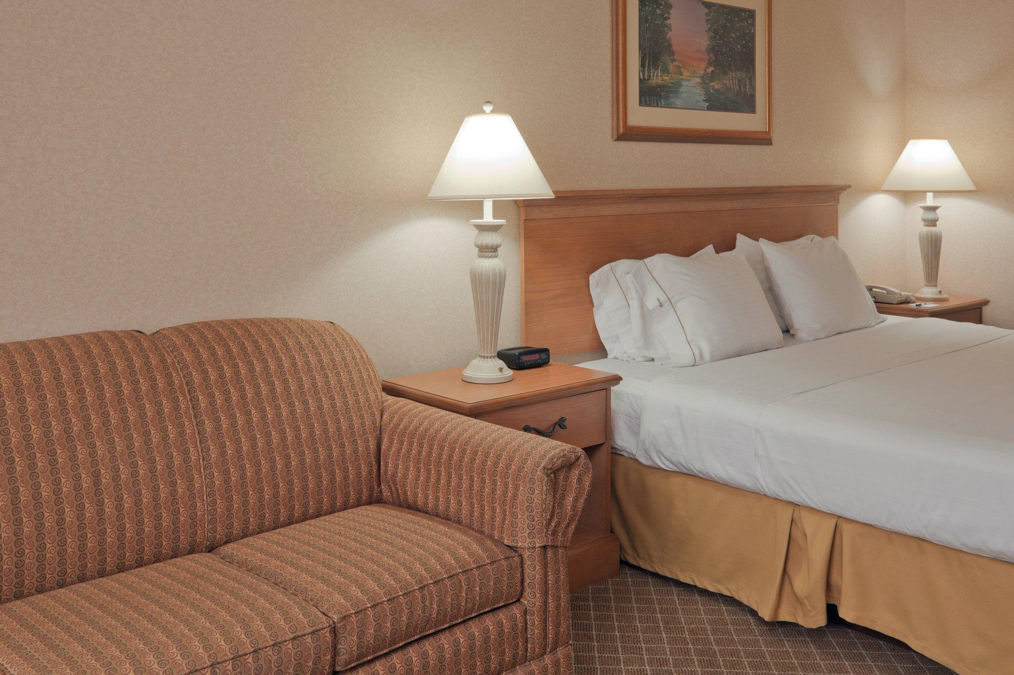 Holiday Inn Express Perrysburg