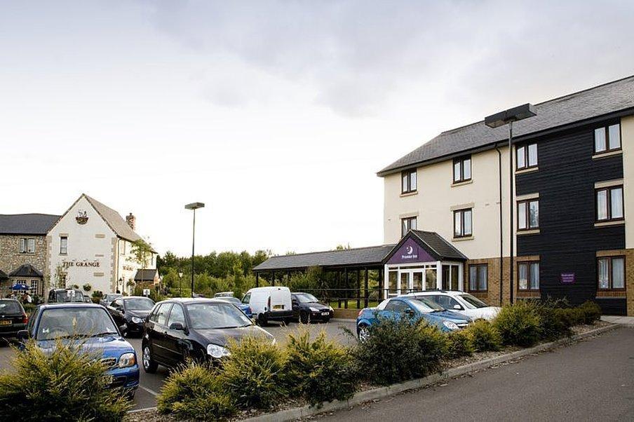 Premier Inn Chelmsford (Boreham) Hotel
