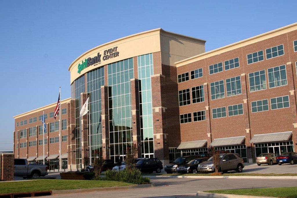 Holiday Inn Express & Suites Tulsa South/Bixby