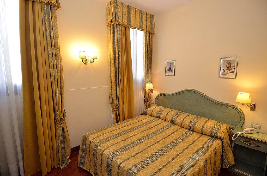 罗坎达拉柯尔特酒店