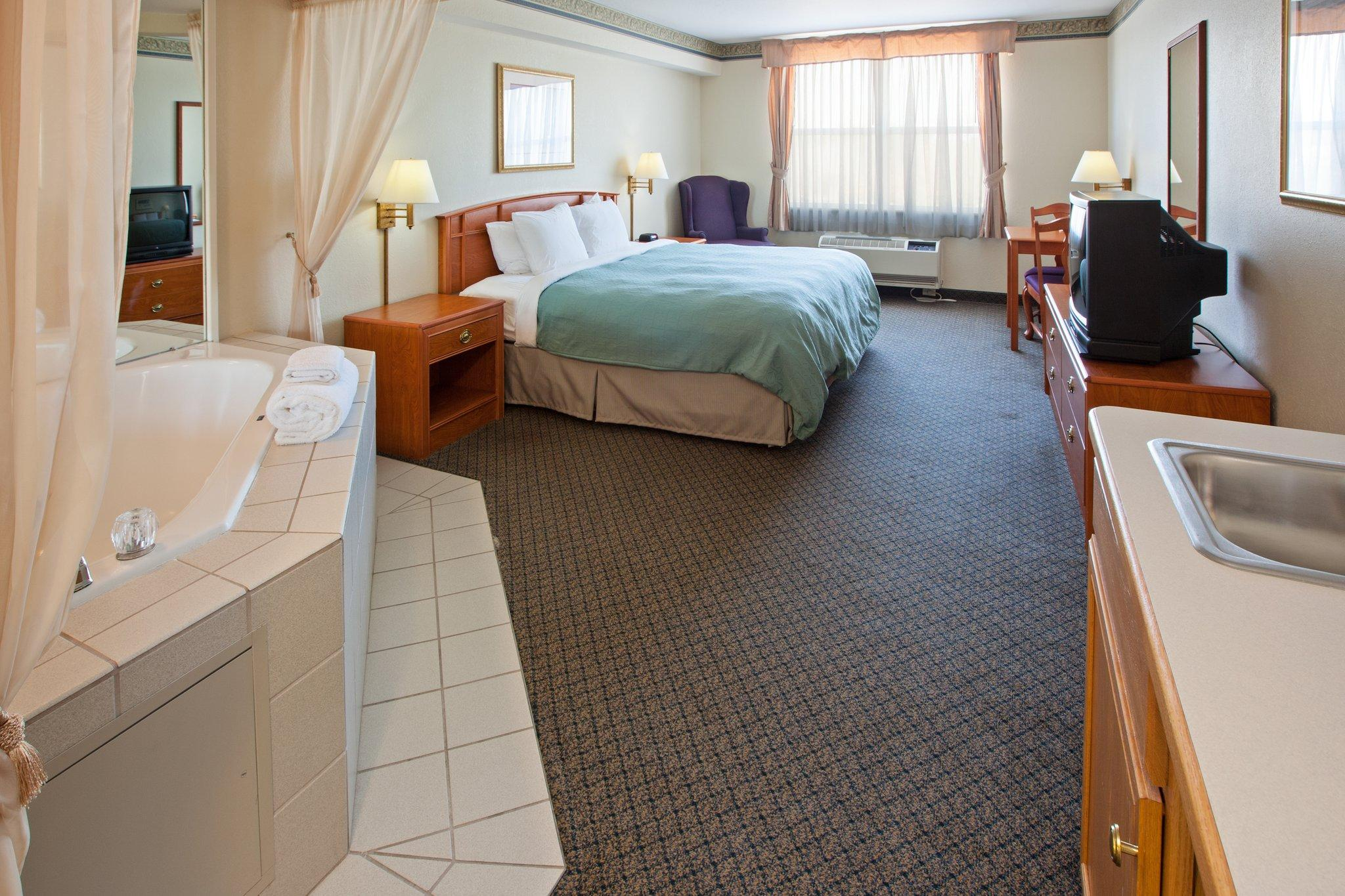 Country Inn & Suites By Carlson, Lansing