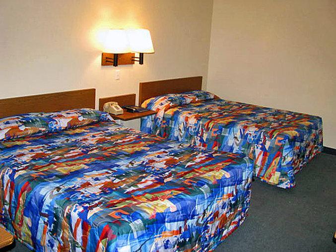 Motel 6 Emporia