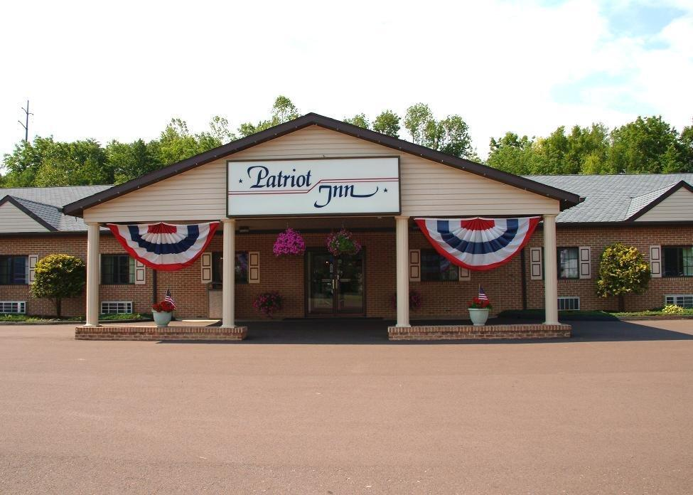 ‪Budget Host Patriot Inn‬