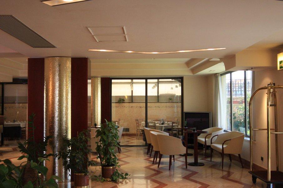 ホテル アウレリアーノ (Hotel A...