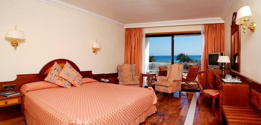 塞拉諾宮殿酒店